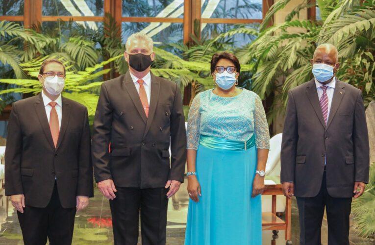 Presidente de Cuba recibió las Cartas Credenciales de nuevos embajadores