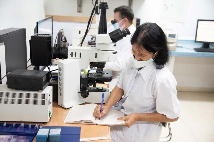 President Díaz-Canel Praises the Talent of Cuban Scientists