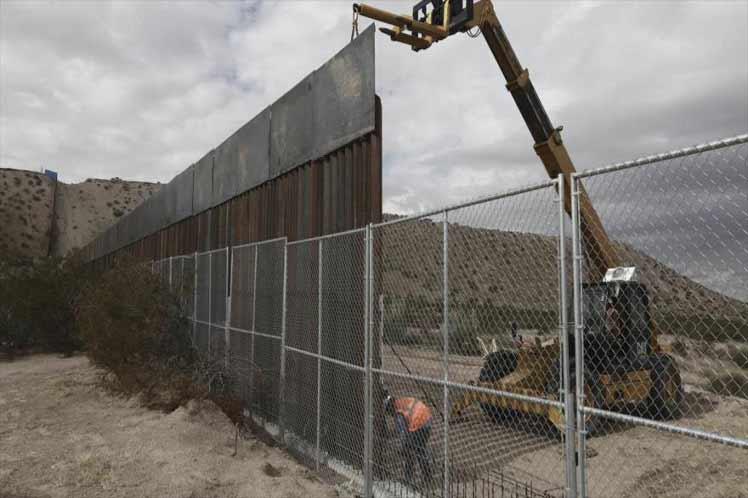 Respalda López Obrador decisión de Biden sobre muro fronterizo