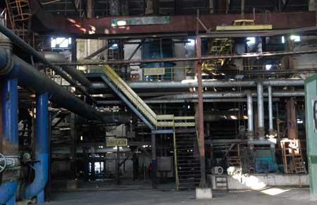 Azucareros aprovechan la para del central para dar mantenimiento a la industria.