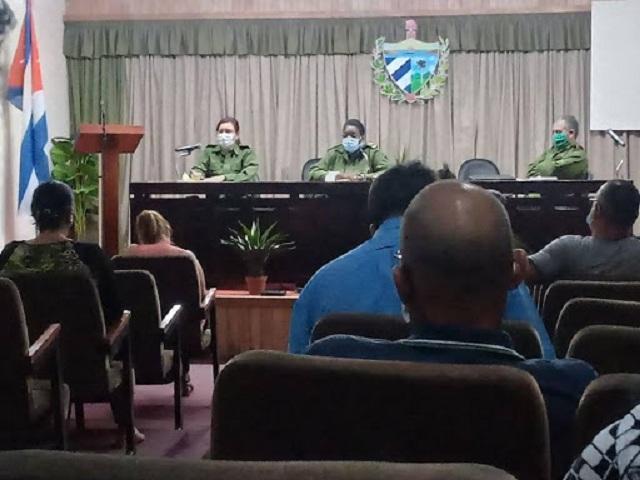 Consejo de Defensa en Mayabeque chequea plan de enfrentamiento a la Covid-19.