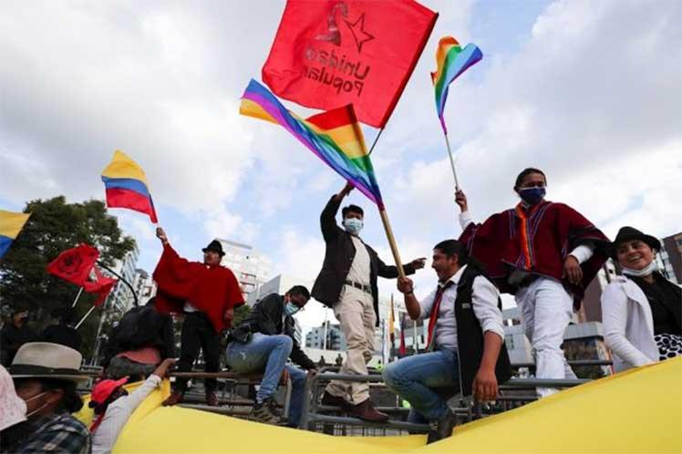 Marcha indígena por recuento electoral avanza a capital de Ecuador