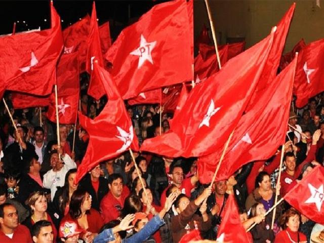 Lula llama al pueblo a frenar la destrucción de Brasil.