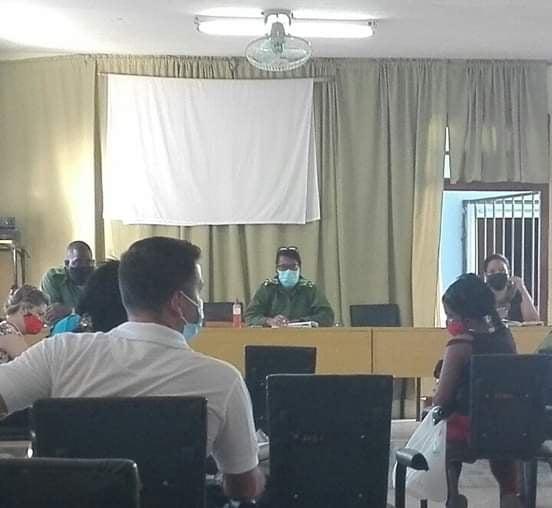 La miembro del Comité Central del Partido y su Primera Secretaria en Mayabeque, Yanina de la Nuez Alichch, participó del intercambio con directivos Güines