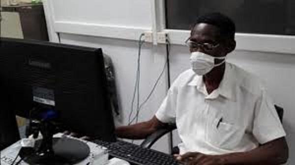 Especialista en comunicación institucional de Empresa de Telecomunicaciones de Cuba en Mayabeque, ingeniero Pedro Cotilla Martínez. Foto: Radio Camoa