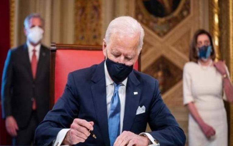 Biden reanudará remesas y viajes a Cuba.
