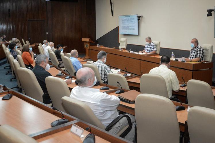 Reunión del grupo temporal de trabajo para el enfrentamiento a la pandemia. Foto: Prensa Latina