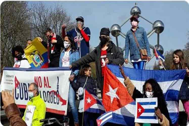 Caravana contra el bloqueo a Cuba en Bélgica.