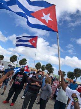 Agradece Diaz-Canel solidaridad de caravanas contra el bloqueo en Estados Unidos y Canadá