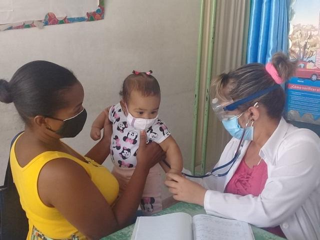 Madre, Bebé y Doctora, una tríada muy importante.