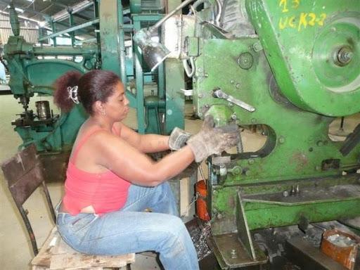 Analizan en Cuba medidas para empoderar a las mujeres