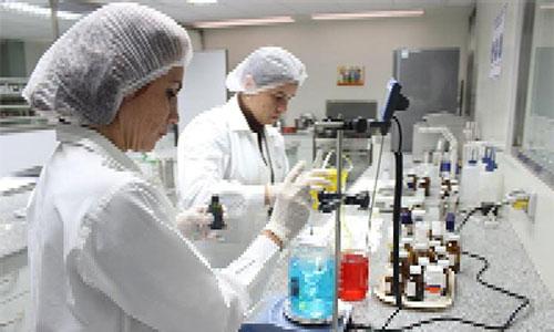 Industria cubana abocada a sustituir importaciones de químicos. Foto: Agencia Cubana de Noticias
