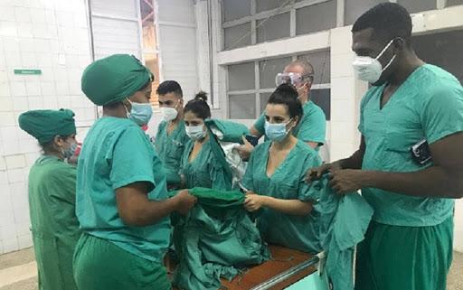 El grupo de trabajo lo integran médicos, enfermeras y estudiantes de Ciencias Médicas. Foto: Archivo