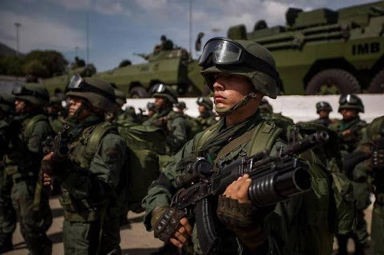 El Comando Estratégico Operacional de la Fuerza Armada Nacional Bolivariana permanece hoy en máxima alerta. Foto: Prensa Latina