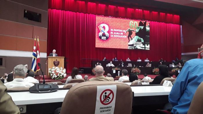 Presentan a integrantes del Buró Político del Partido Comunista de Cuba.