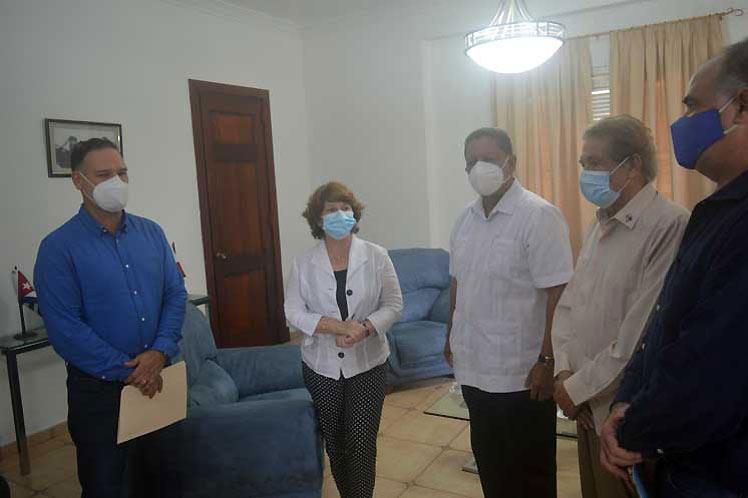 Partido de gobierno de Panamá dona a Cuba insumos médicos
