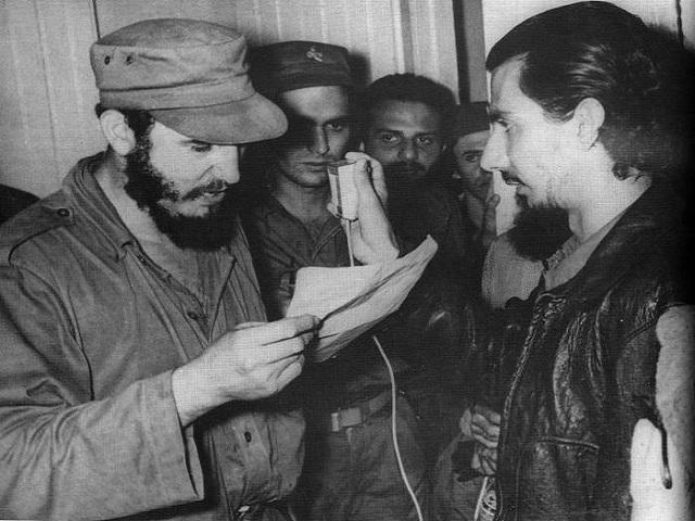 Fidel: estímulo y aliento a combatientes en primera alocución por Radio Rebelde