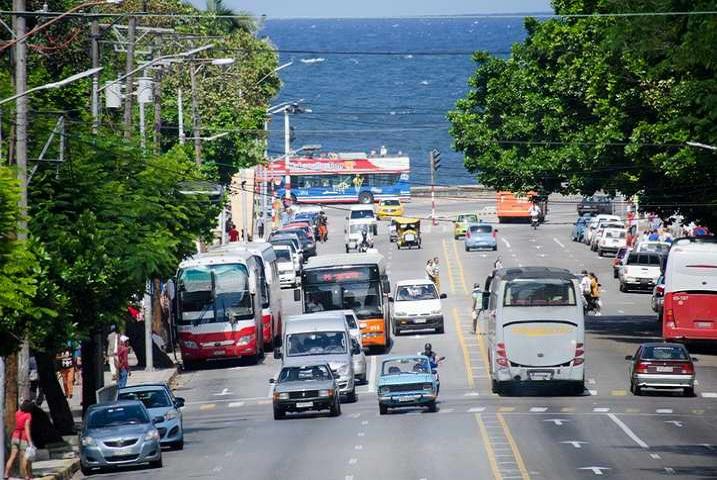 Extienden prórroga de vencimiento de licencias de conducción y circulación en Cuba.