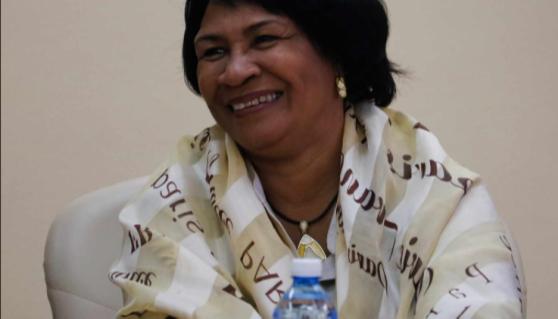 Díaz-Canel felicita a Rectora de la Universidad de La Habana condecorada por la Academia de Ciencias de Cuba
