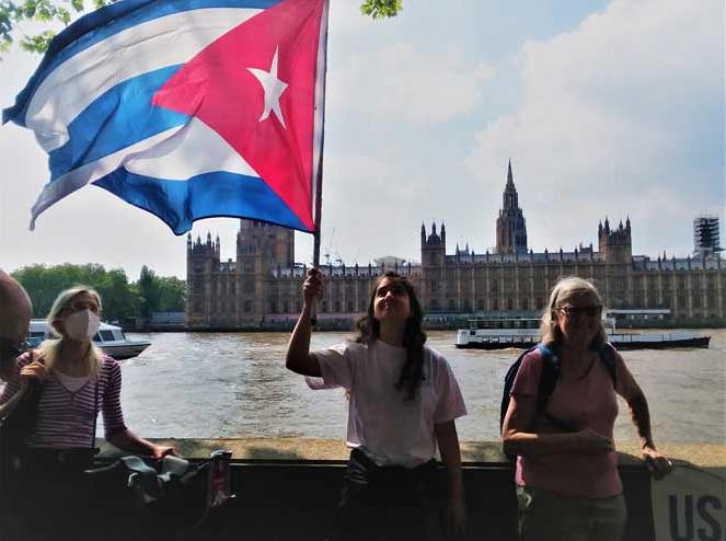 El bloqueo es genecida porque atenta directamente contra el pueblo cubano.