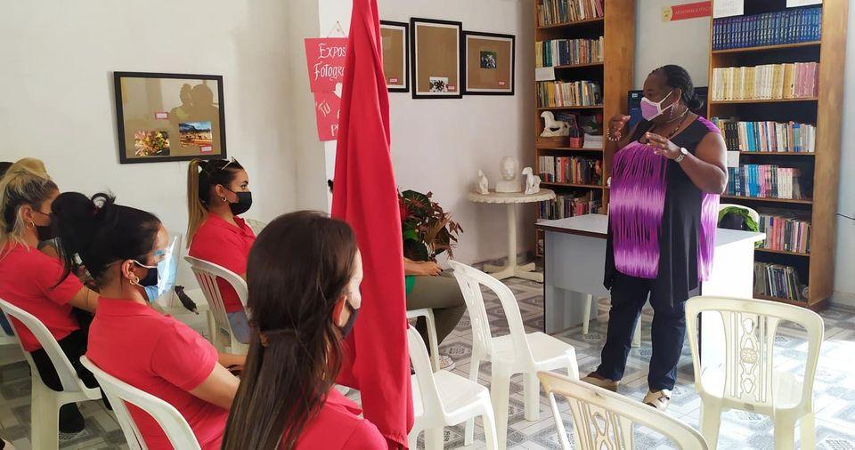 Jóvenes de Mayabeque rinden tributo a Martí.