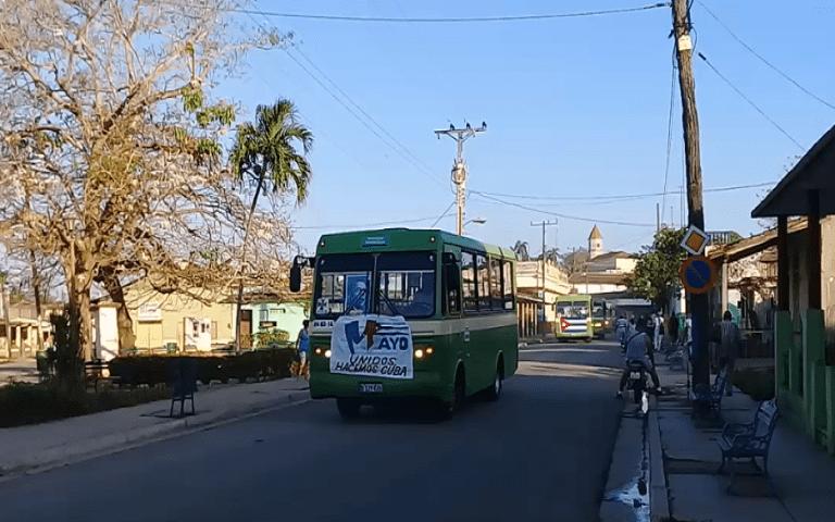 Transportistas de Jaruco festejan el Primero de Mayo.
