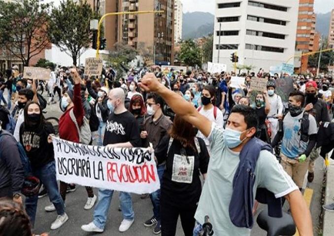 Desacuerdos dilatan crisis en Colombia.