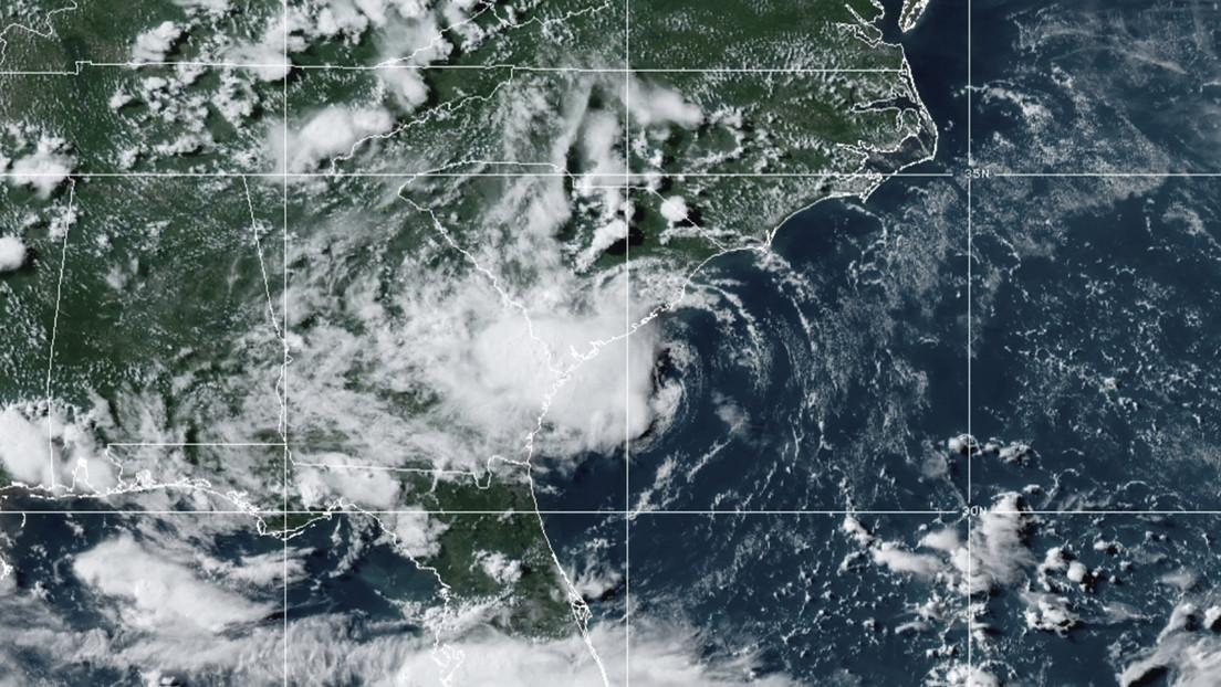La tormenta tropical Danny se debilita hasta convertirse en depresión.