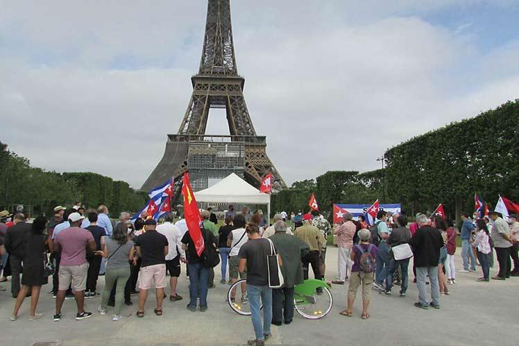 Condenan en Francia bloqueo contra Cuba.