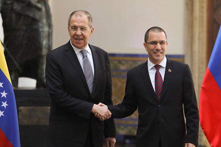 Cancilleres de Rusia y Venezuela analizarán cooperación bilateral