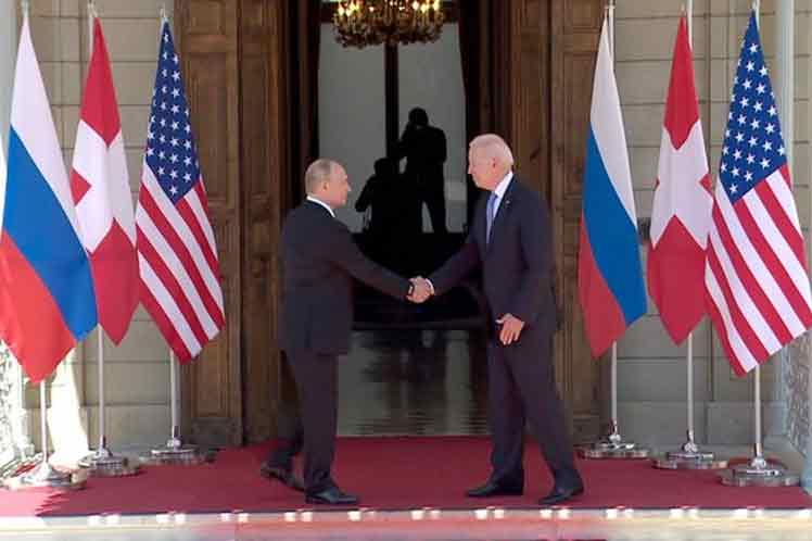Kremlin Considers Russia-US Presidential Summit Positive