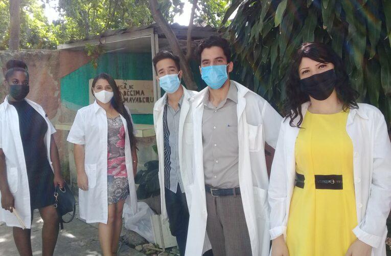 Abanderan destacamento de médicos de Mayabeque para apoyar enfrentamiento  a la Covid-19 en el país (+Audio)