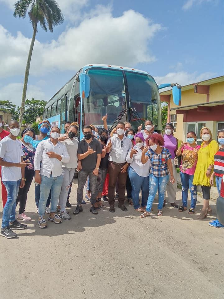 Integrantes de la Brigada Henry Reeve de Mayabeque apoyan el combate contra la COVID-19. Foto: Diario Mayabeque.