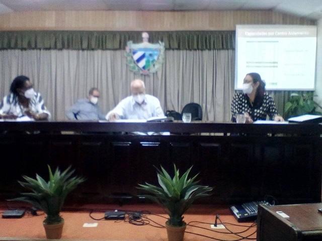 Cabrisas estuvo acompañado por las máximas autoridades política y de gobierno en la provincia.