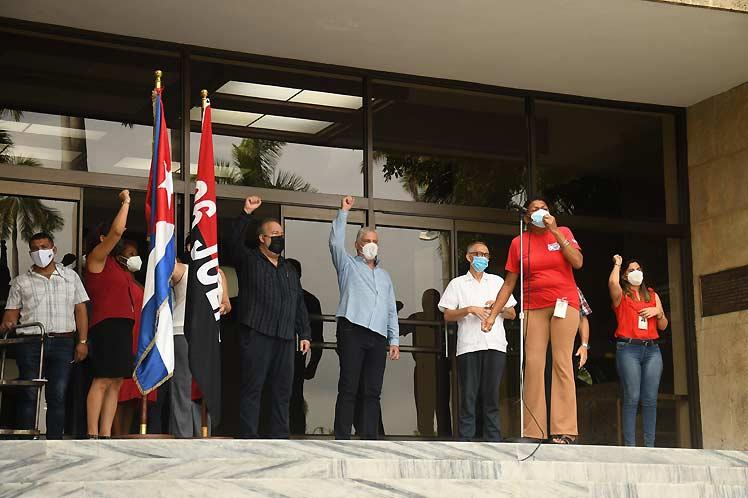Presidente y primer ministro de Cuba conmemoran el 26 de julio