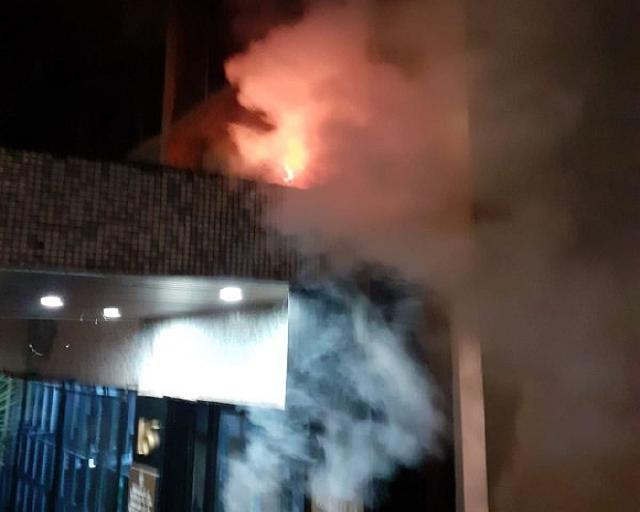 Ataque terrorista contra embajada de Cuba en Francia y asedio a la sede diplomática de la isla en Panamá.