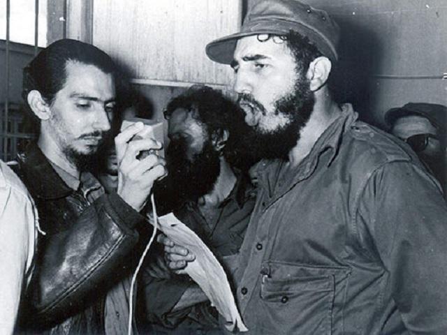 Fidel Castro y Radio Habana Cuba (Audio)